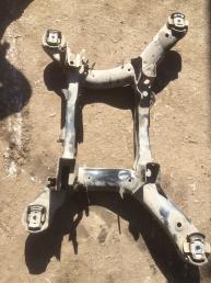 Подрамник задний Mercedes X164 GL   А164350032 А164350032