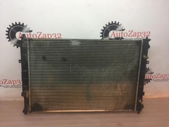 Радиатор охлаждения 3,0 Mazda MPV