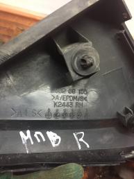 Накладка зеркала правого Mazda MPV   LC6269155