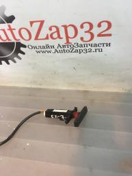 Кнопка аварийной сигнализации Mazda CX 7   EG23664H0