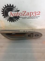 Кнопка стеклоподъемника передней правый Mazda MPV  LE45-68-4L1