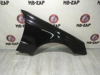 Крыло правое переднее Mercedes W211 2118801418
