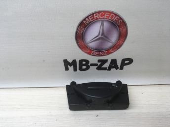 Кнопка управления парктрониками Mercedes W211 2118216958