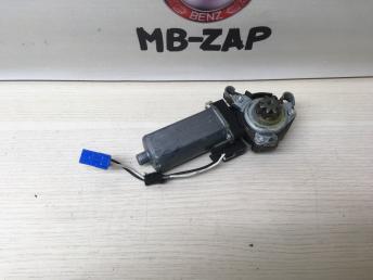 Моторчик регулировки сидения Mercedes W203 0390203002