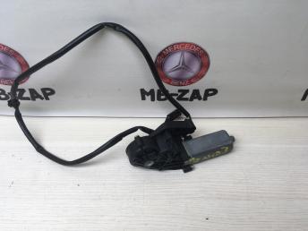 Моторчик регулировки сидения Mercedes W203 0390203209