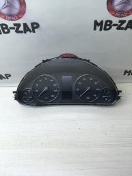Приборная панель Mercedes W203 2035404748
