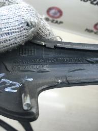 Накладка внутренней дверной ручки Mercedes W203 2038100851