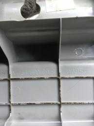 Обшивка порога багажника Mercedes W164 1646800091