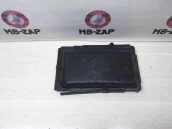 Крышка левого блока предохранителей Mercedes W220 2205400082