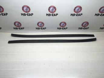 Молдинги лобового стекла Mercedes W251 2516905062