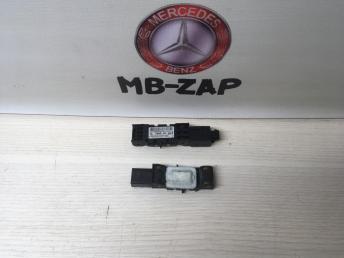 Датчик удара боковой Mercedes W220 0028200826