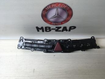 Блок кнопок центральный Mercedes W220 AMG 2208216558