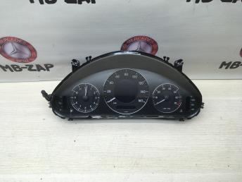Панель приборов Mercedes W211 2114403111