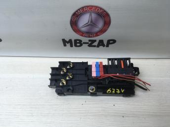 Блок предохранителей Mercedes W211 2115452301