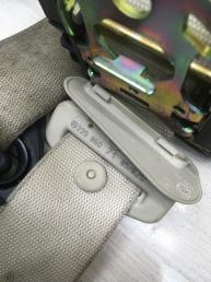 Ремень безопасности Mercedes W220 2208607985
