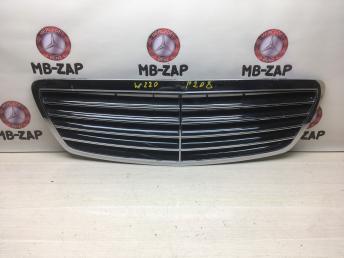 Решетка радиатора Mercedes W220 2208800583