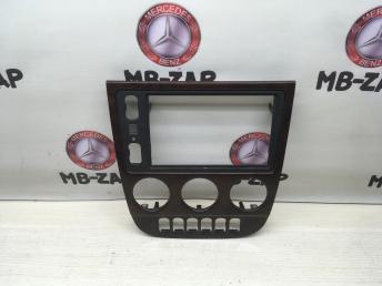 Накладка центральной консоли Mercedes W163 1636807207