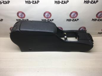 Подлокотник передний Mercedes W220 2206800250