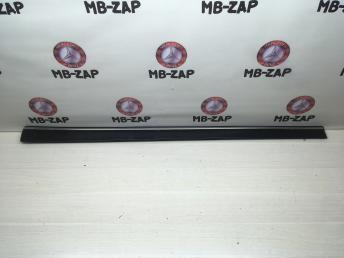 Накладка передней левой двери Mercedes W211 2116900962
