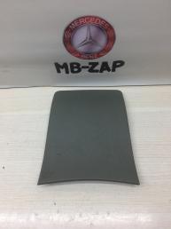 Накладка подлокотника Mercedes W210 2106831308