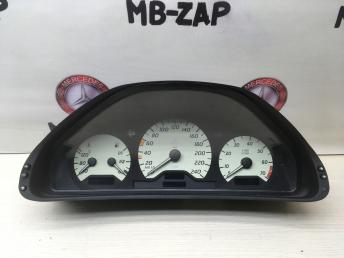 Приборная панель Mercedes W208 2085402011