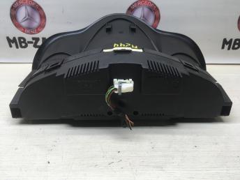 Панель приборов Mercedes W203 2035408447