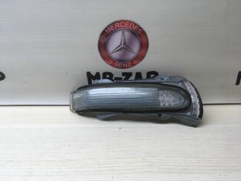 Повторитель правого зеркала Mercedes W220 2208100264