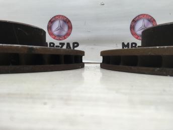 Тормозный диск передний Mercedes W220 2204212512