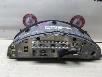 Приборная панель Mercedes W220 Япония 2205403411