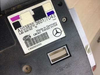 Плафон передний Mercedes W203 2036933833