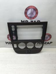 Накладка центральной консоли Mercedes W163 1636802236