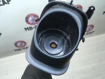 Подстаканник левый Mercedes W163 1636800358
