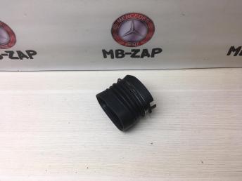 Патрубок радиатора Mercedes