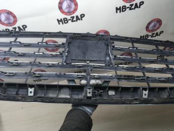 Решетка радиатора Mercedes W221 2218800083