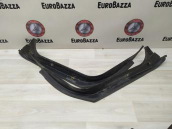 Водосток багажника Mercedes W211 2116930233