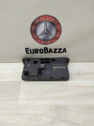 Блок комфорта передний правый Mercedes W211 2118701026