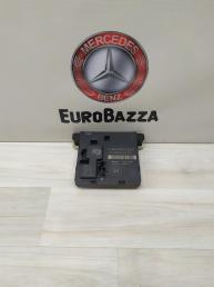 Блок комфорта задний правый Mercedes W211 2118704126