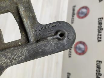 Кронштейн блока ABC Mercedes W211 2114310840