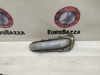 Повторитель зеркала левый Mercedes W220 2208100164