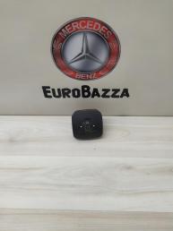 Кнопка регулировки сиденья Mercedes W220 2208000878