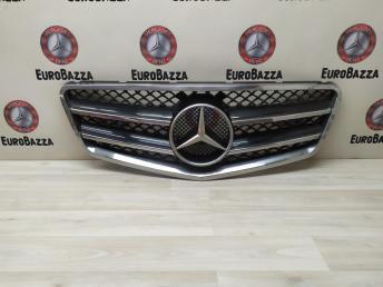 Решетка радиатора Mercedes W212 AMG 2128850622