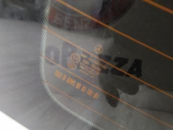 Заднее стекло Mercedes W204 2046700580