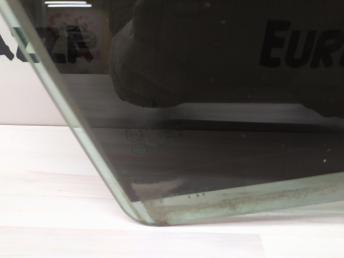 Стекло двери заднее правое Mercedes W204 2047350210