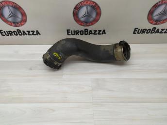 Патрубок интеркулера Mercedes W204 2045281682