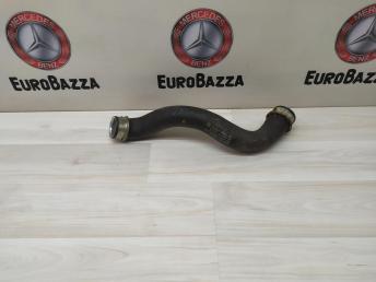 Патрубок системы охлаждения Mercedes W204 2045011582