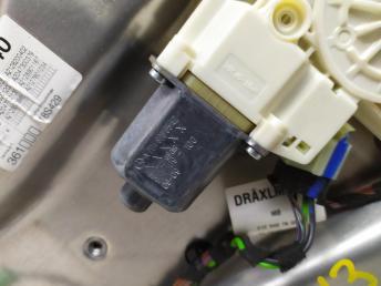Стеклоподъемник задний левый Mercedes W212 2128301102