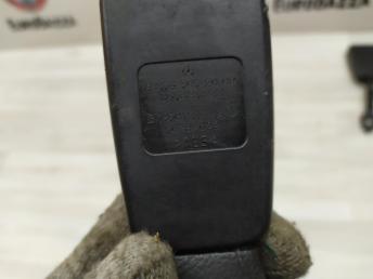 Ответная часть ремня безопасности Mercedes W204 2048602669