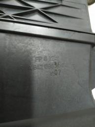 Корпус воздушного фильтра Mercedes W212 6420903101
