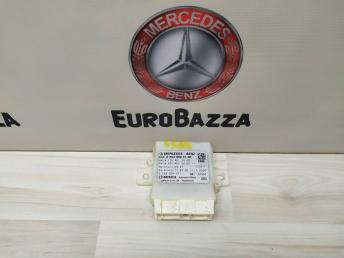 Блок управления парктроников Mercedes W204 2049004106