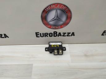 Реле акамулятора Mercedes W204 0009822023